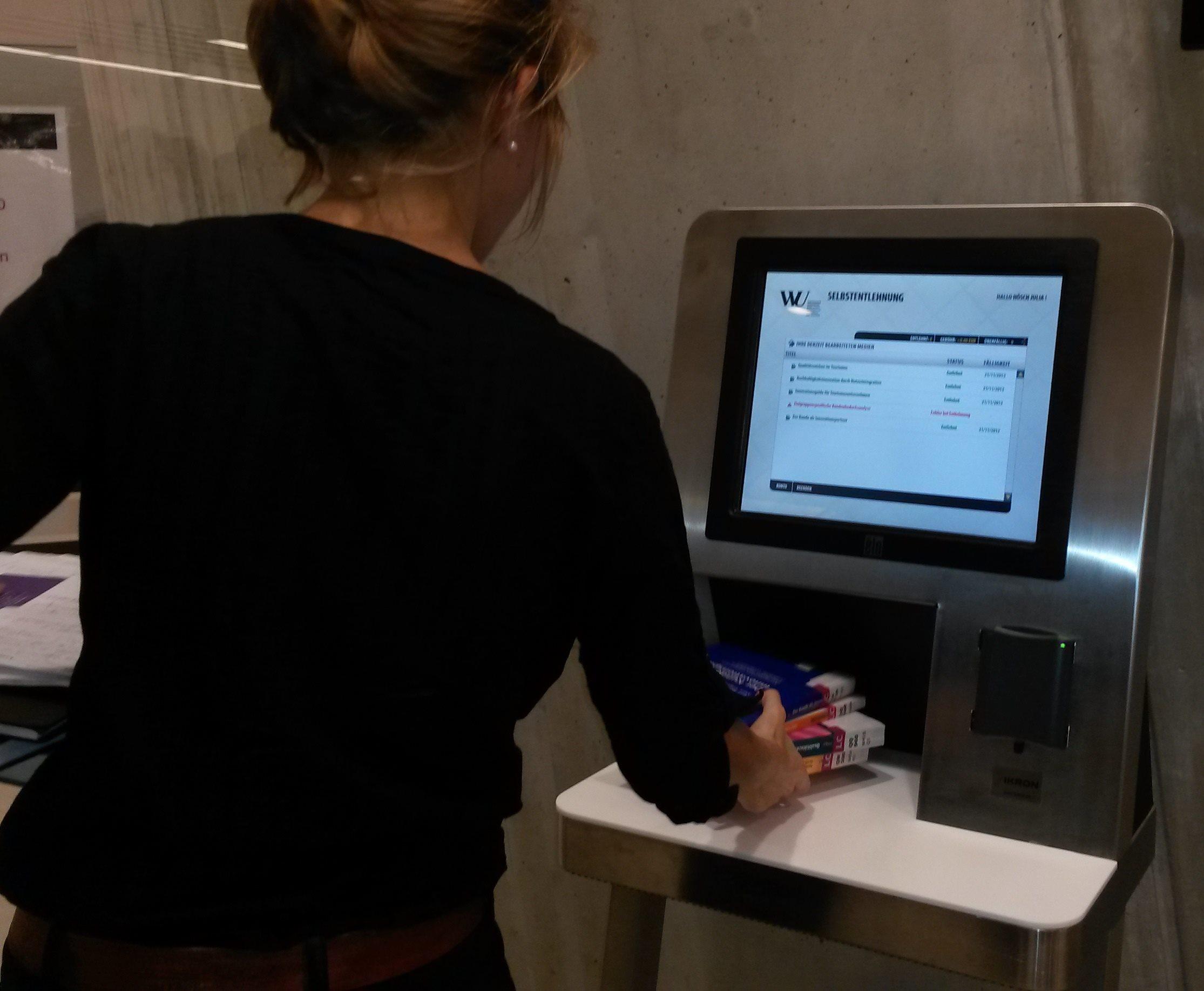 RFID Önkiszolgáló kölcsönzés